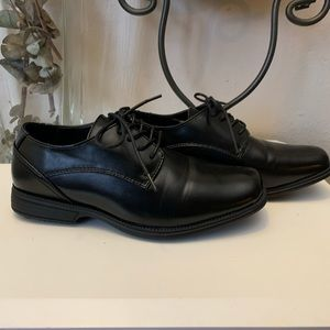 Perry ELLIS dress shoes